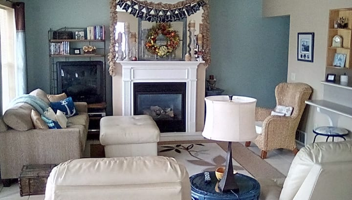 Town Condo w/ beachview, nightly monthly or winter