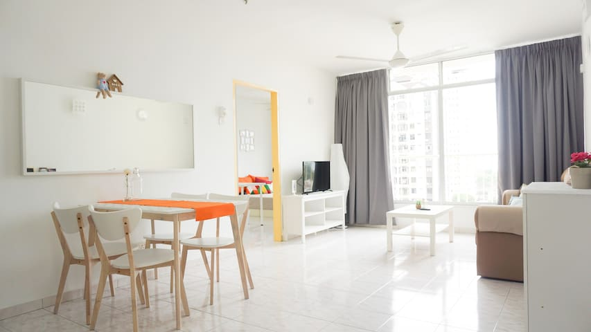 NEW 3R2B Gurney Walking Dist. Apt. (Corner Unit) - George Town - Apartment