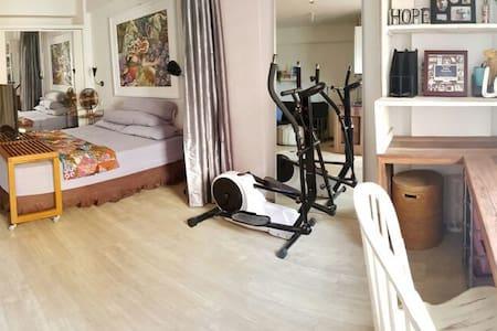 homy studio apartment with many facilities - Duren Sawit - Квартира