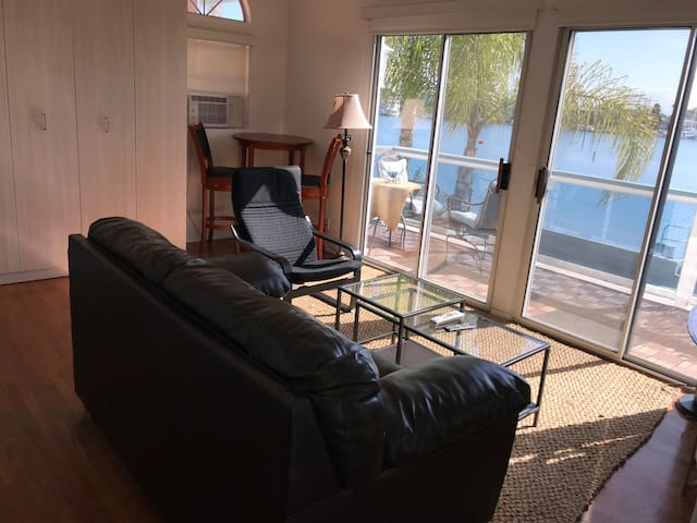 Great view of Naples Island from this waterfront studio apartment  in Belmont Shores. Steps from 2nd street for fun dining and shopping
