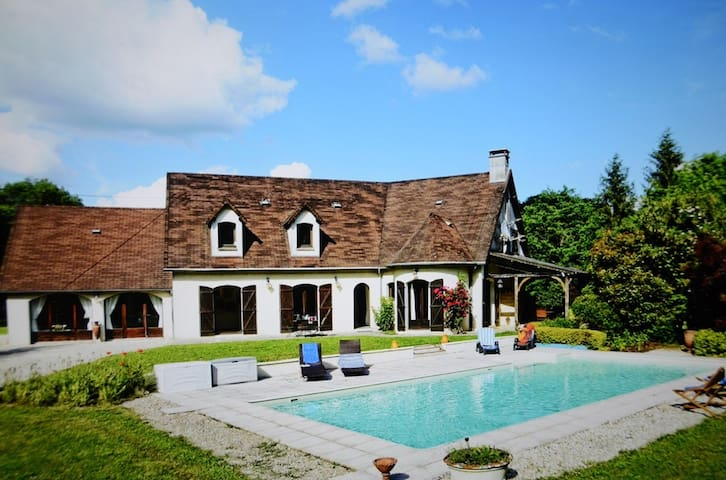 Superb and quiet villa, spa sauna private pool