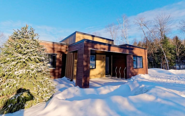 Bel Air Tremblantl. 8 min from ski resort