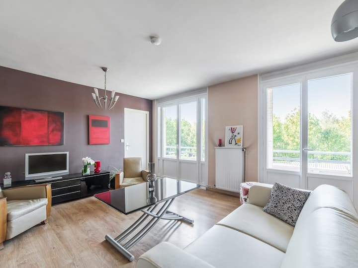 Artistic flat with balcony and parking at the doors of Lyon - Welkeys