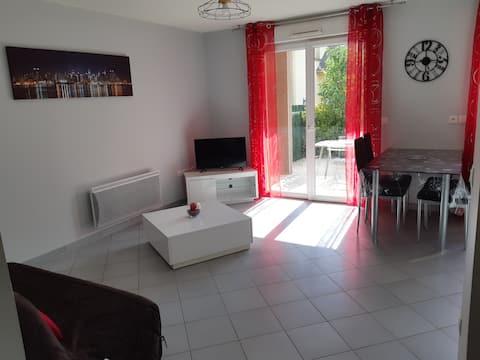 Flavin : Appartement T2 chaleureux avec jardin
