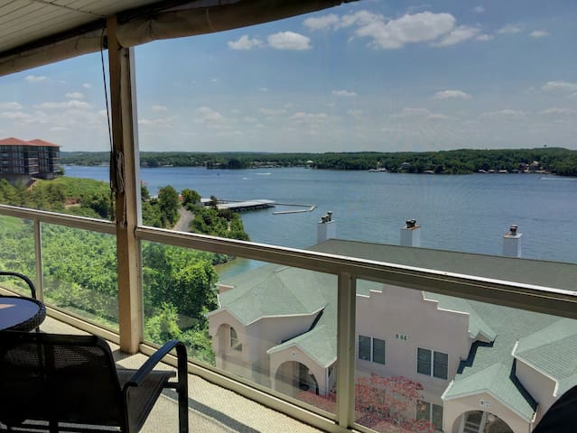MILLION DOLLAR VIEW IN POPULAR HORSESHOE BEND AREA