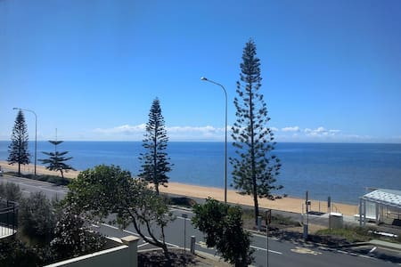 Magnificent Ocean Views - Beach / Waterfront Room - Margate