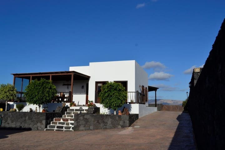 Rural House Island View - Teguise - Huis