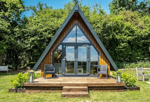 Nature's Nook Cosy Couples Woodland Cabin
