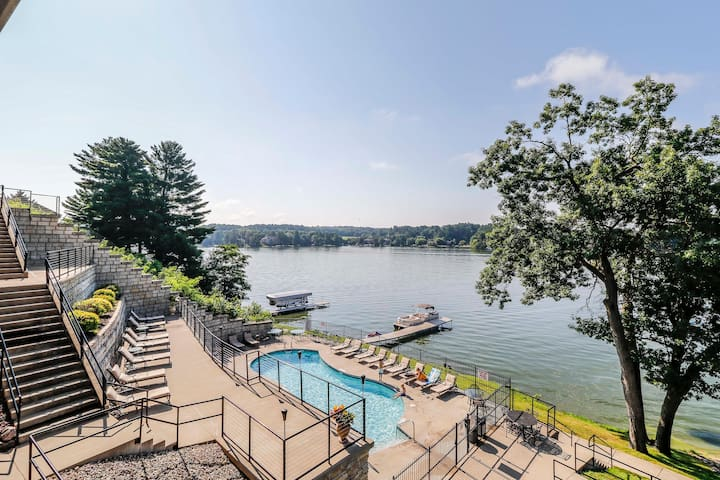 Wisconsin Dells Getaways Outdoor Pool View #408