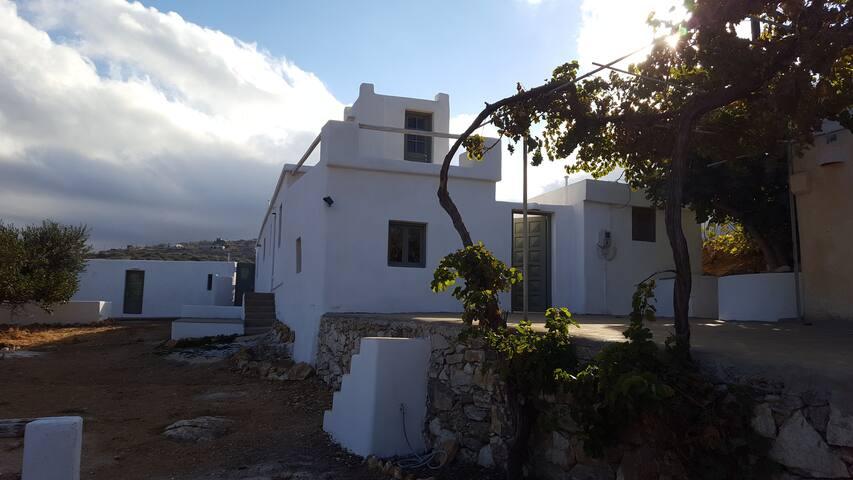 Hypnos studios: Oneiros - Lefkes - Talo