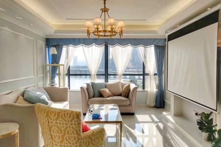惠城区市中心一线江景房,高档小区,全新装修24小时物业安保,夜景超美。