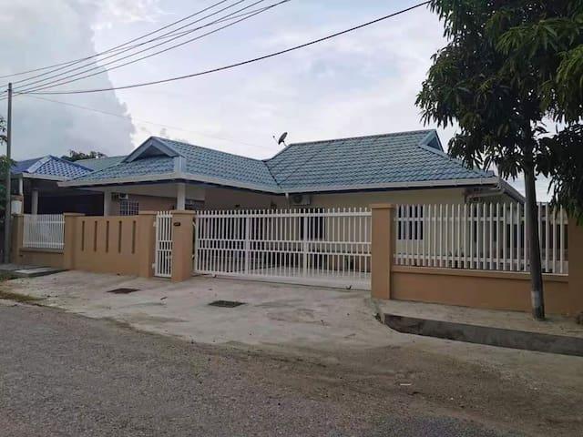 Orkid homestay 530 Kudat Sabah.