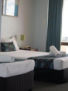 Ocean View Studio Apartment 2 - Airlie Beach - Leilighet