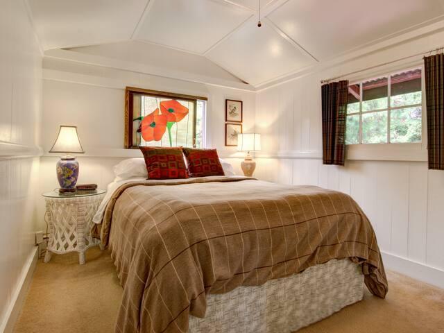 Three Bedroom Cottage, Ohia