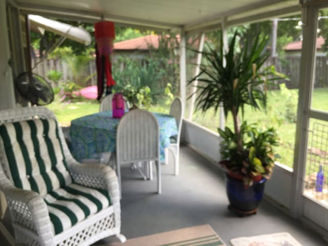 Aloha! Home in Paradise! Near #2 Beach in America! - Bonita Springs - Haus