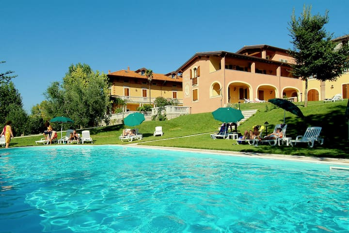 Exquisite Holiday Home in Manerba del Garda near Lake Garda