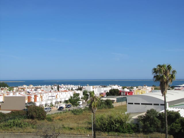 1 Bedroom Apartment with Sea View! - Olhão - Lägenhet