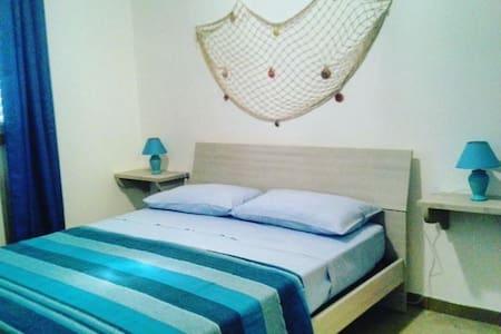 Bellissima stanza con bagno privato - Provincia di Lecce - Villa - 0