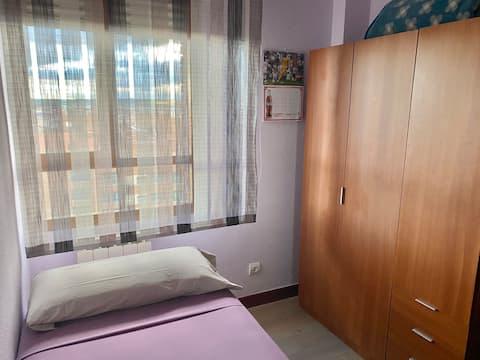 Habitación cómoda y privada en Parquesol