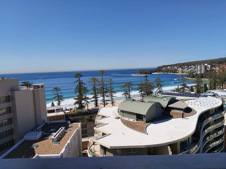 MANLY BEACH STUNNING WATER VIEW TOP FLOOR
