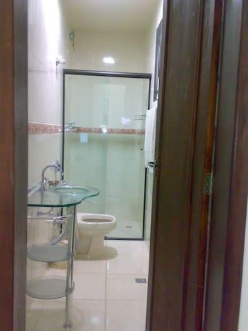 Amplo quarto com 30m2 e suite - Itabira - Casa