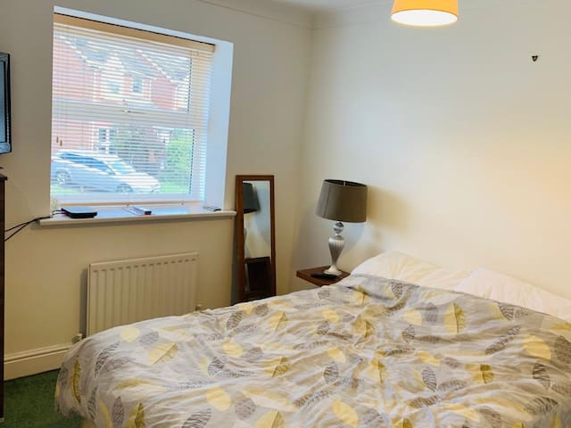 Double room in Cambridgeshire village