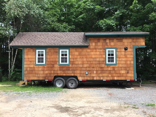 Real tiny house on wheels, near Exeter/Portsmouth