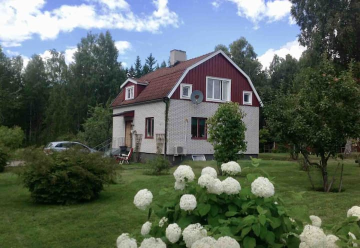 Peaceful house in a quiet, ecological village