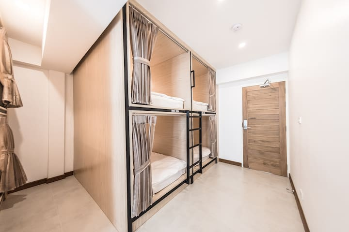 Naratel Hostel Bagnkok(Bunkbed in 8 bed MixedDorm)