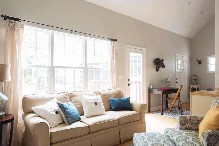 Private guest house in Ballantyne. - Charlotte - Villa