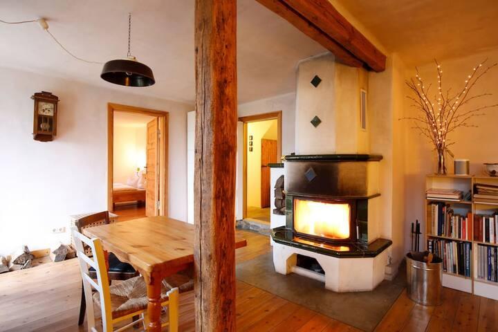 Wohnzimmer, Küche mit Blick zur Eingangstür