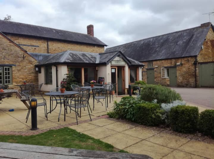 Beautiful pub with 4 double cosy en-suite rooms