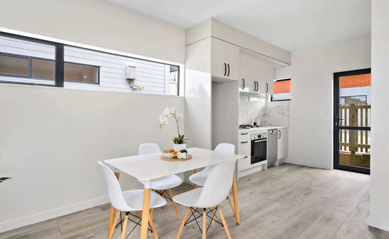 Brand New Apartment Style Living in Howick