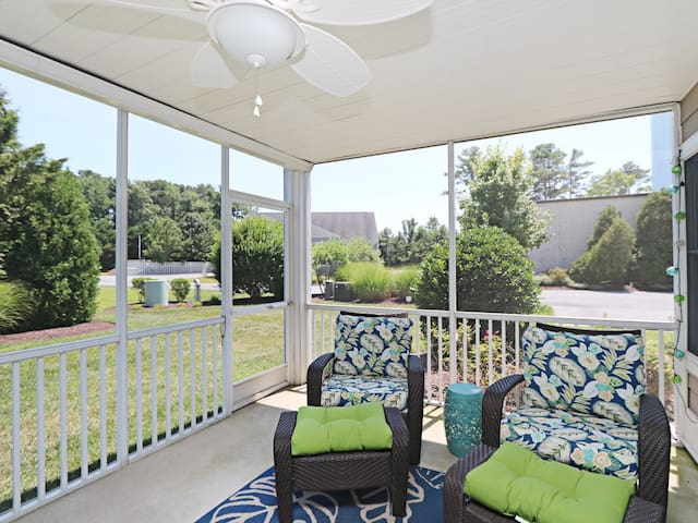 BV133: 3BR Bayville Shores TH - Pool, Tennis, Pier, Playground, Fitness & More..