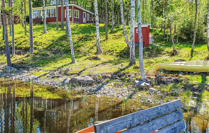 Stunning home in Svanskog with Sauna and 2 Bedrooms