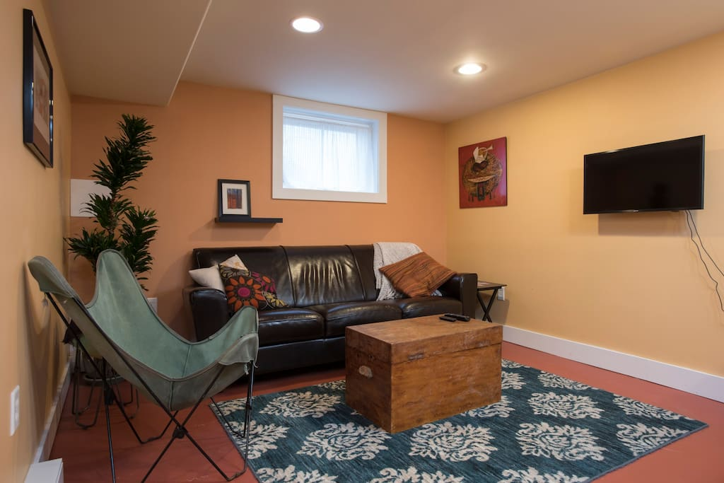 Living area with TV (Fire stick and Air Cable)