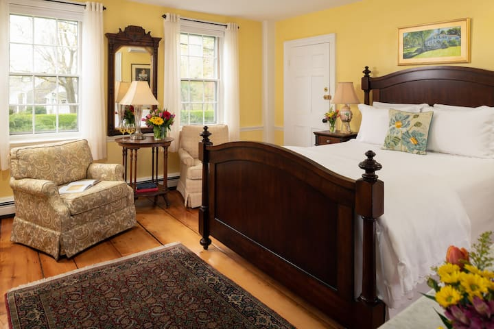 Copeland Room - Candleberry Inn