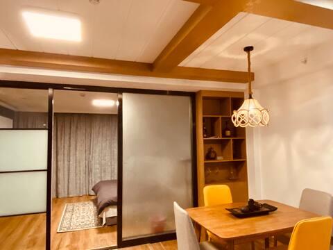 『侣行家』LOFT 精致两居白领公寓/巨幕投影复式空间/长江二路