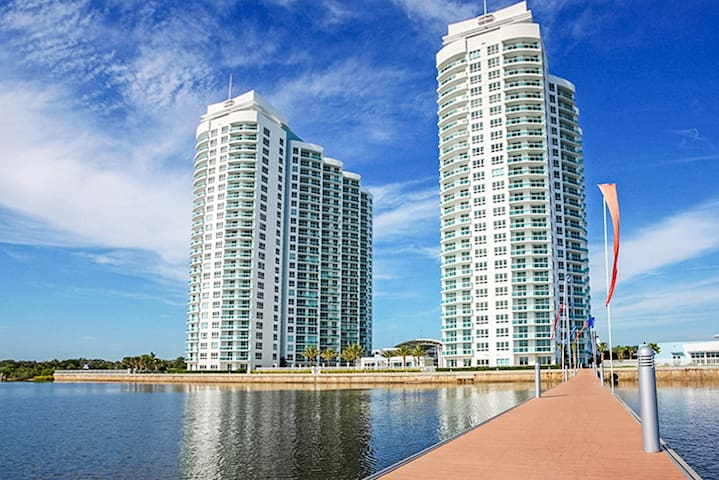 20th Floor Sky Home-sweeping ocean views-Daytona