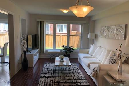 Luxury detached Home Near Toronto
