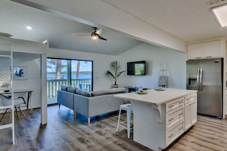 "New Beachy Luxury Waterfront ""The Sunset Suite"""