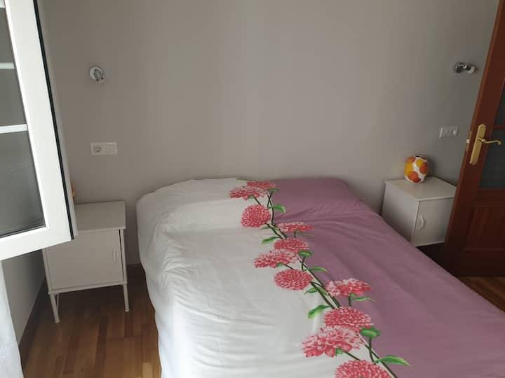 habitación Doble en centro antiguo de Santander .