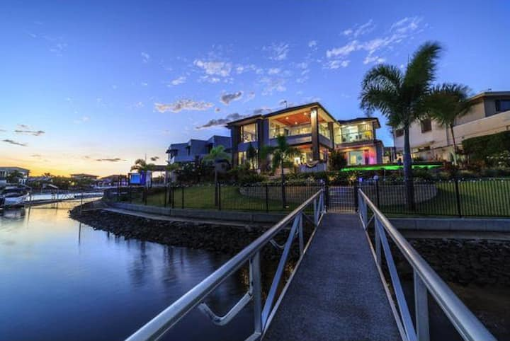 RM3 in a 2million gold coast shared water house