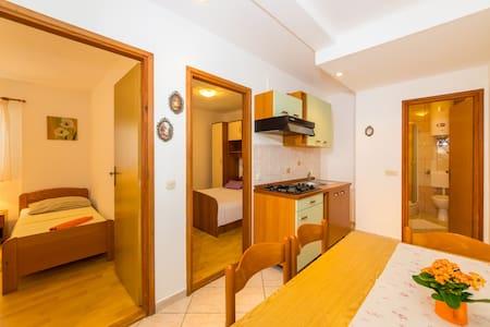 Apartman 1 - Povljana