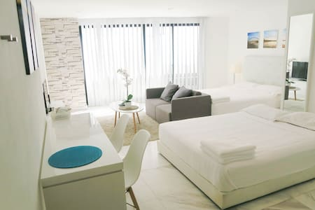 NEW Modern 2 Queen Bed Studio Apt @Orchard/Central