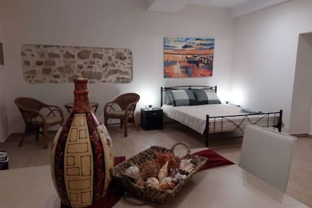 SPACIOUS PRIVATE STUDIO IN THE HEART OF CORFU TOWN - Apartment