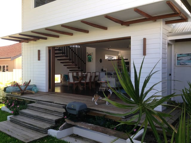 Large house with beachy vibe - Karrinyup - Talo