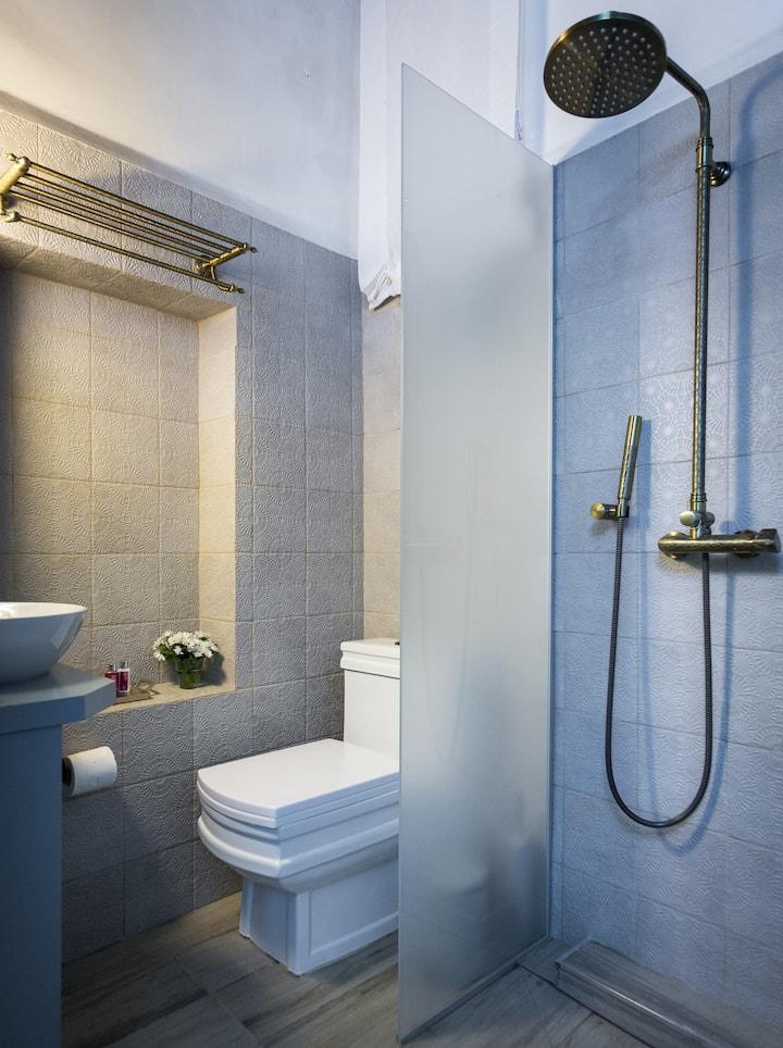 וילה סרא(5)- חדר קלאסי במלון בוטיק בעיצוב עתיק