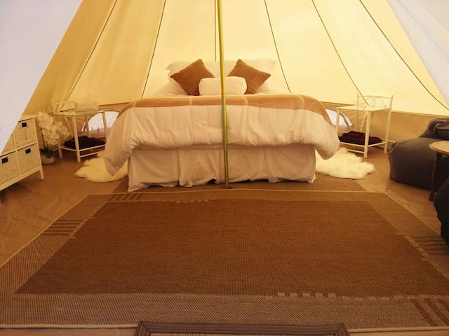 Hinterland Glamping with tranquil valley views - Main Ridge - Tent