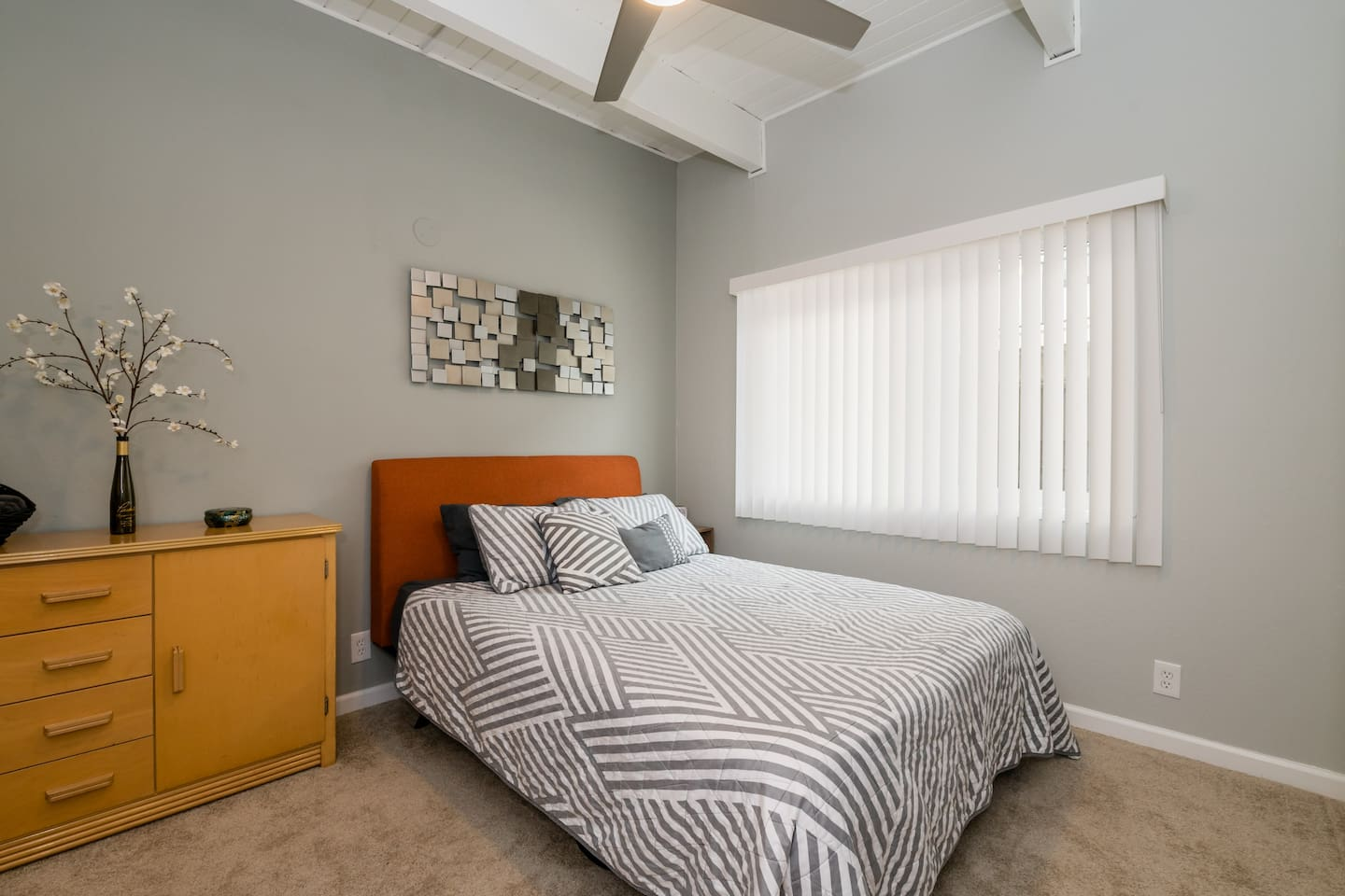 Spacious One Bedroom With Attached Bath and Walk-In Closet